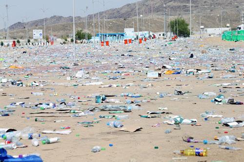 أطنان النفايات بعد موسمالحج